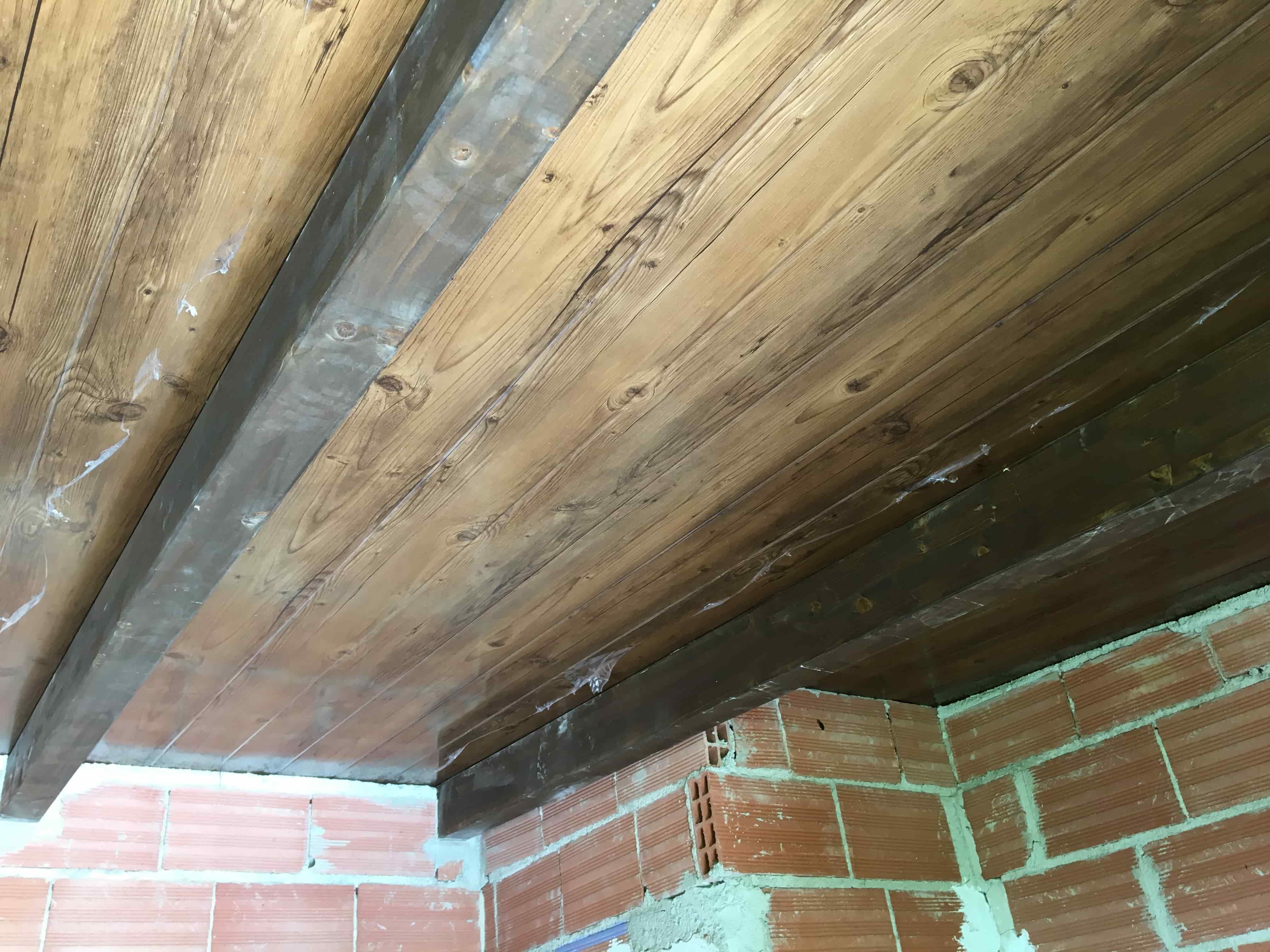 Panel sandwich imitacion teja excellent remate sobre for Tejados de madera con teja
